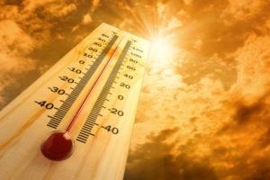 Thermometer in hot AZ summer sun